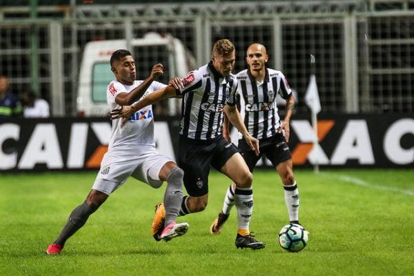 Em Jogo De Penaltis Perdidos Santos Bate Atletico Mg Com Gol De Falta No Fim Diario De Goias